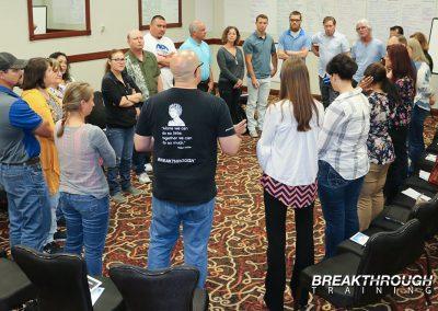 team-huddle-leadership-training-breakthrough